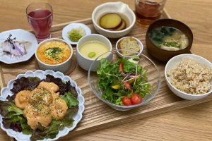 新鮮な野菜、お肉、お魚を使ったこだわり弁当